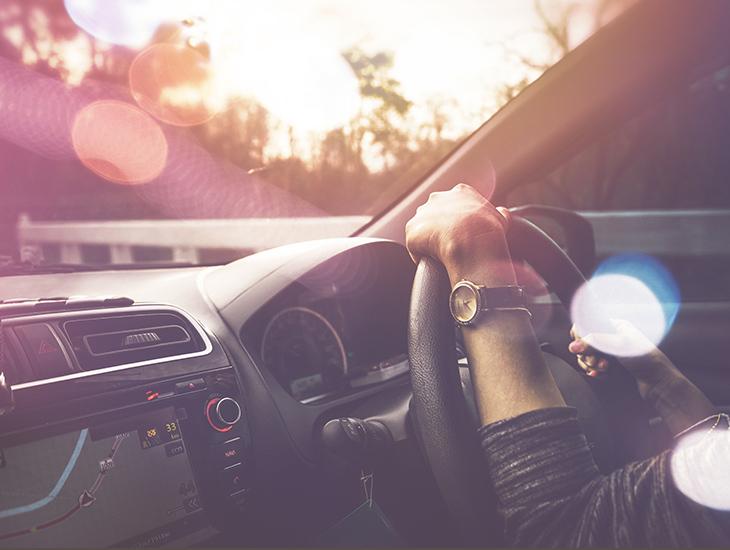 ブルーライトドライブ中のまぶしさ