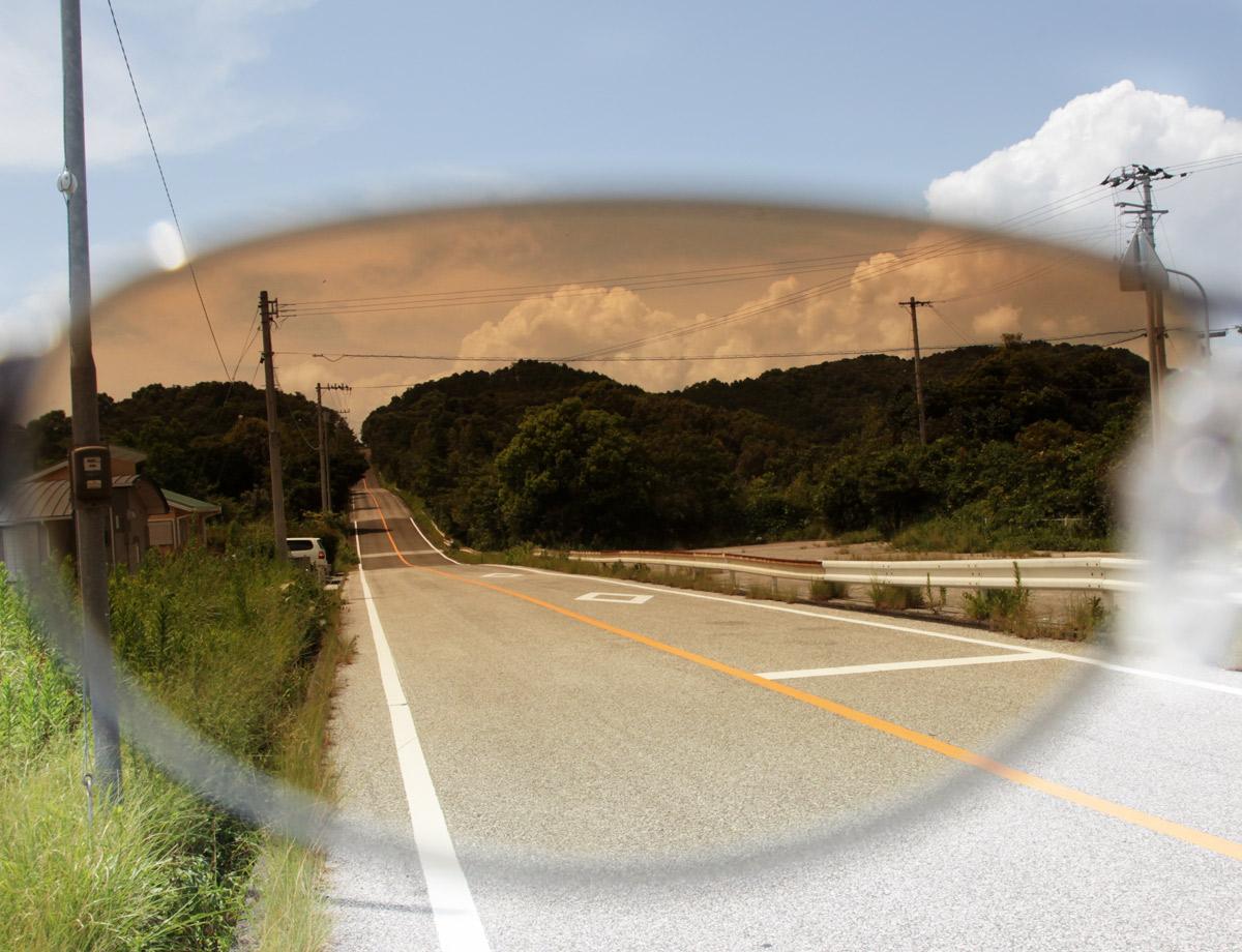 山の坂道での見え方